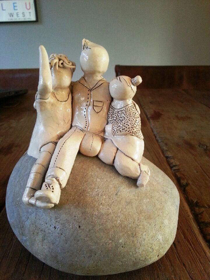 3 kinderen op steen